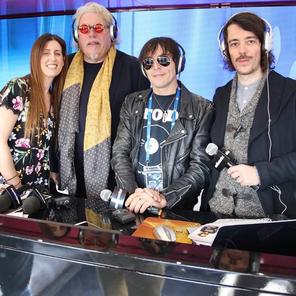 Motta con Federico e Veronica sul truck di Radionorba a Sanremo